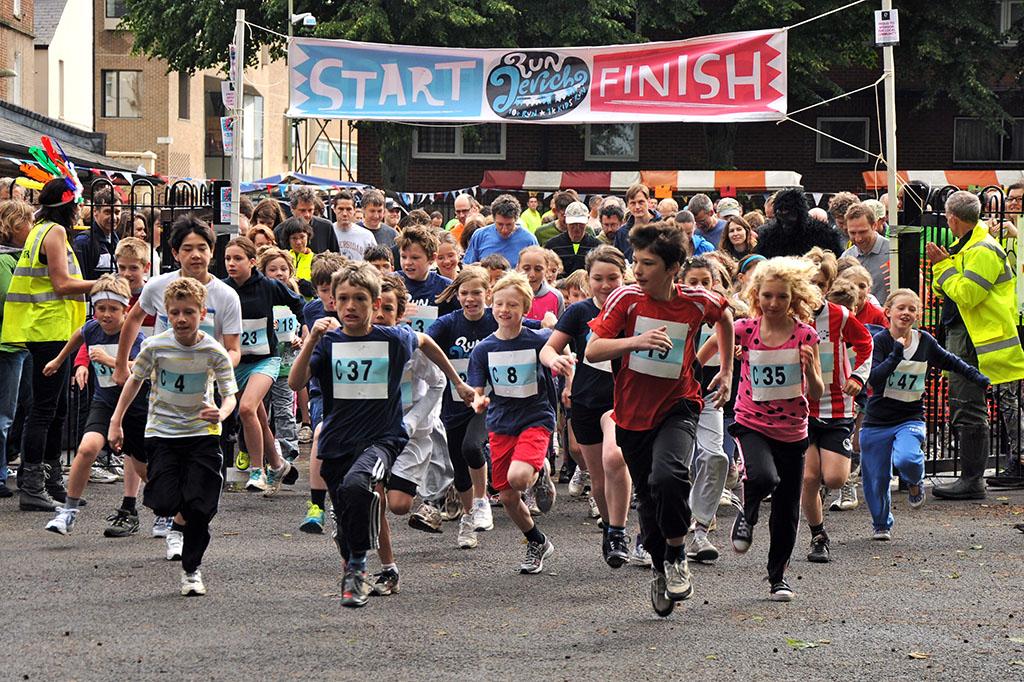 Run Jericho 1 mile runners start