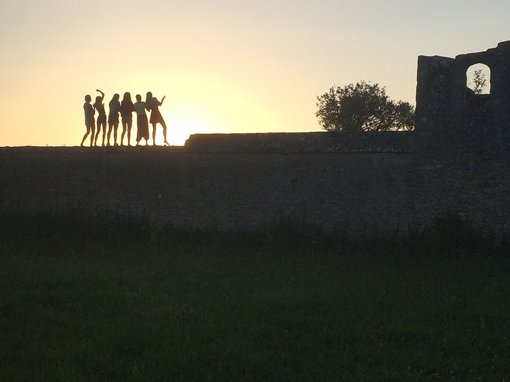 Silhouettes of Run Jericho volunteers